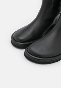 Proenza Schouler - PIPE RIDING BOOTS - Stiefel - black - 4