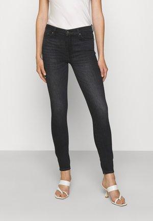 SKINNY SLIM ILLUSION UPBEAT - Jeans Skinny - black