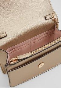 LIU JO - BELT BAG CAMEO - Bum bag - gold - 4