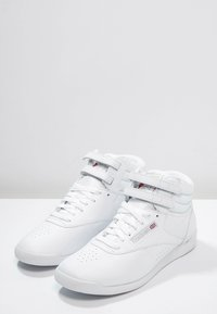 Reebok Classic - FREESTYLE HI LIGHT SOFT LEATHER SHOES - Sneakers high - white/silver - 2