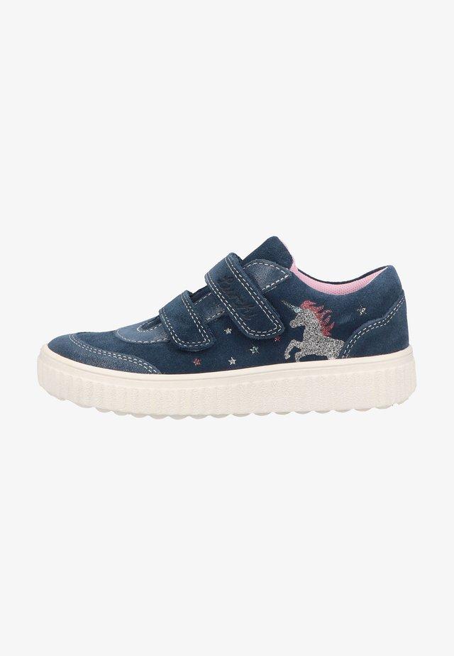 Sneakers laag - jeans