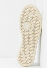 MOA - Master of Arts - Sneaker low - white - 6