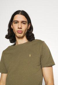 AllSaints - BRACE CREW - Basic T-shirt - saguaro green - 3