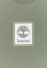 Timberland - SHORT SLEEVES TEE - Print T-shirt - green - 2