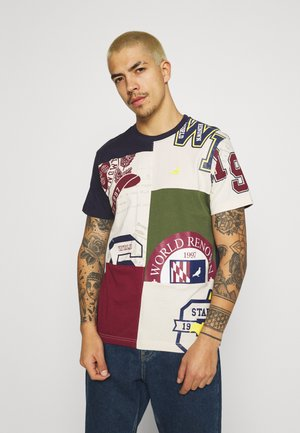 UNIVERSITY BLOCKED TEE - Triko s potiskem - oatmeal