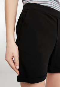 Object - OBJCECILIE  - Shorts - black - 5