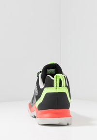 adidas Performance - TERREX AX3 - Obuwie hikingowe - grey three/core black/signal green - 3