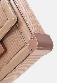 ALDO - AGRELIDIA - Handbag - nude/plum - 3