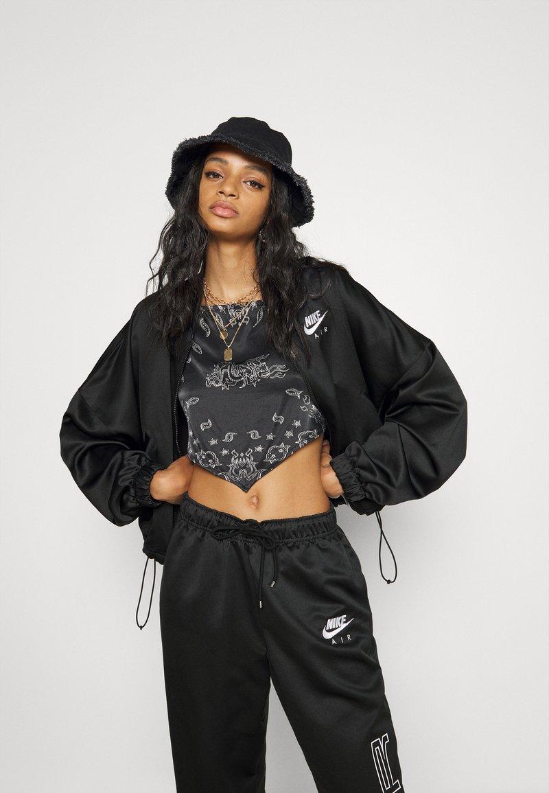 Nike Sportswear - AIR - Chaquetas bomber - black/white