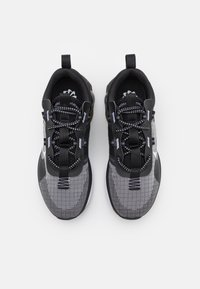 Nike Sportswear - AIR MAX SPHERE - Tenisky - black/white/iron grey - 3