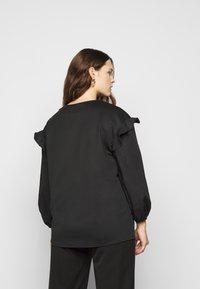 Simply Be - CARLY VOLUME SLEEVE - Sweatshirt - black - 2