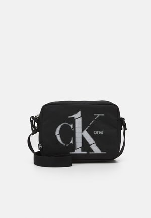 CAMERA BAG - Across body bag - black