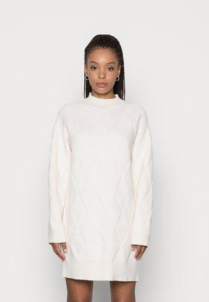 HARLEY CHUNKY JUMPER DRESS - Jumper dress - cream