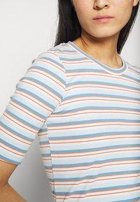 Moss Copenhagen - KYSA  - Print T-shirt - ice - 5