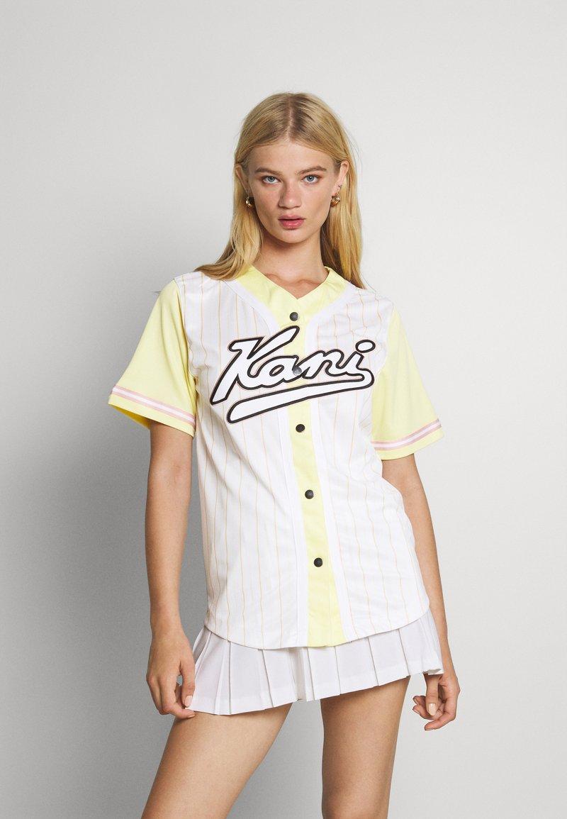 Karl Kani - VARSITY BLOCK PINSTRIPE BASEBALL SHIRT - Print T-shirt - white