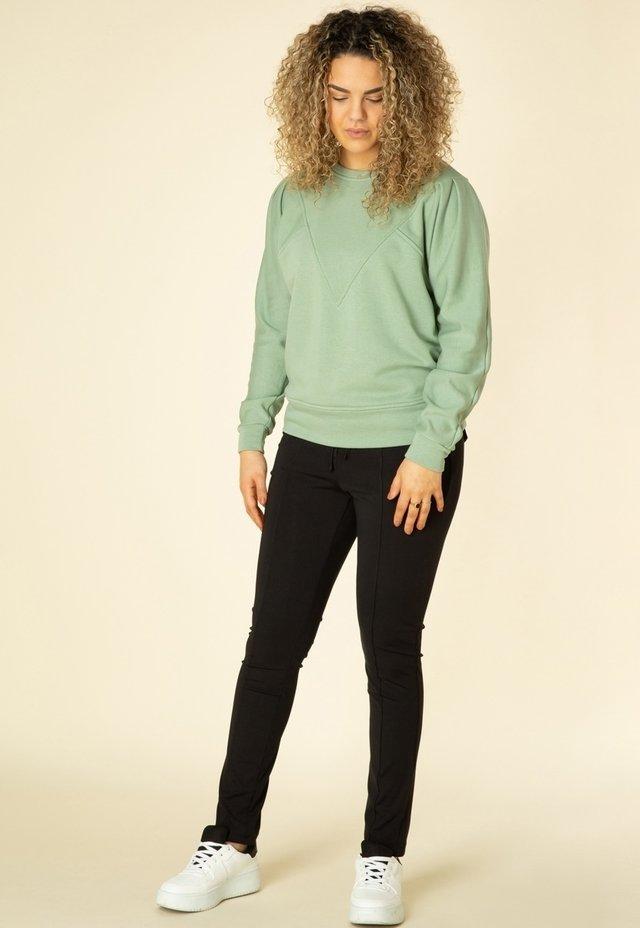Sweater - fresh green