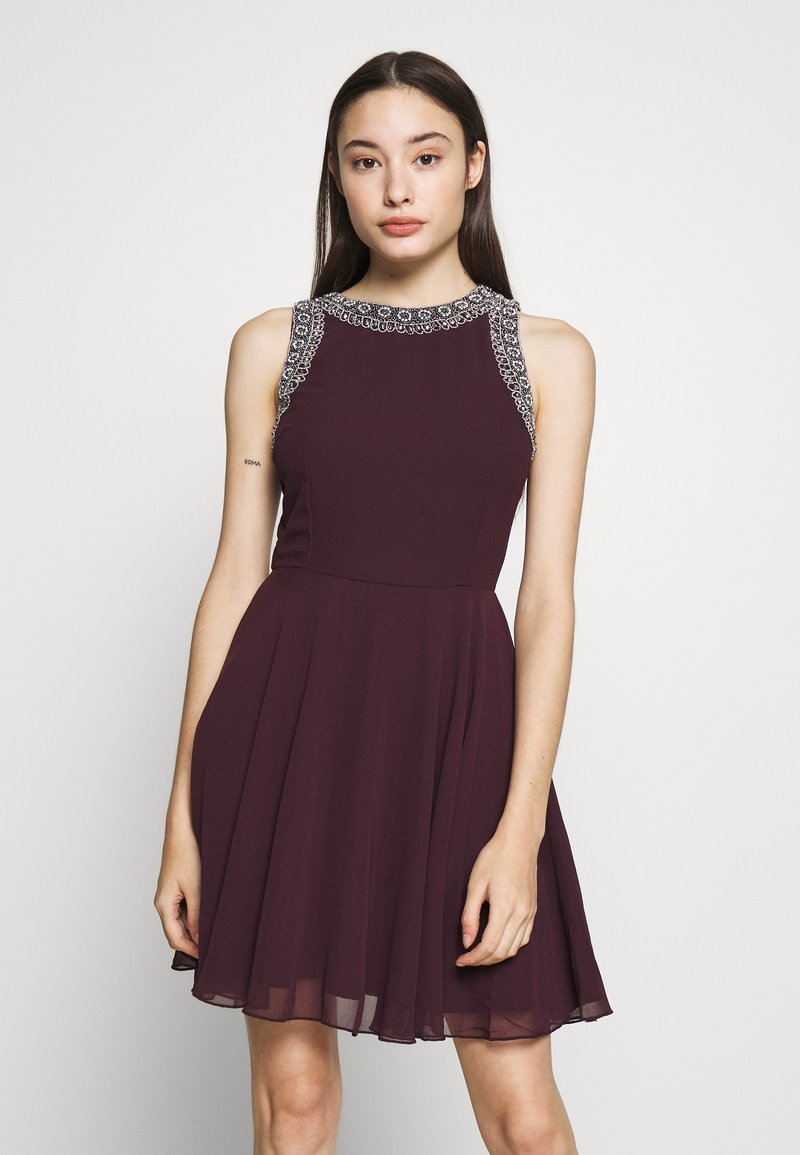 Lace & Beads Petite - DUNYA SKATER PETITE - Cocktail dress / Party dress - burgundy