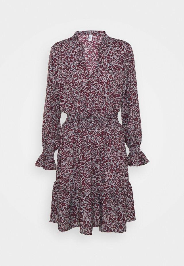 ONLJUNO SHORT DRESS - Sukienka letnia - blue/dark red