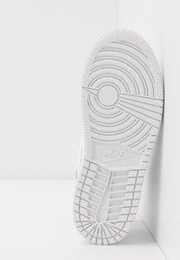 Jordan - Basketbalové boty - white - 5