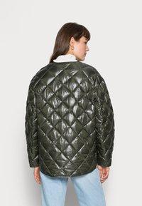 ARKET - Lehká bunda - khaki green - 2
