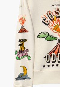 Scotch & Soda - CREWNECK WITH ARTWORKS - Sweatshirt - off white - 2
