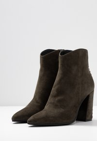 Adele Dezotti - High heeled ankle boots - laponia - 4