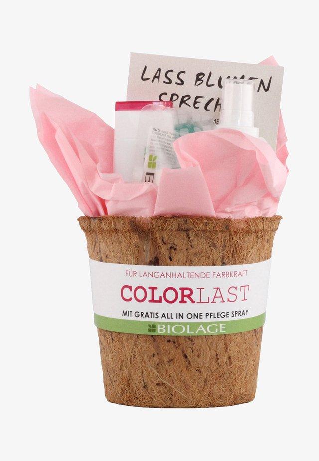 BIOLAGE COLORLAST COFFRET - Set pour les cheveux - -