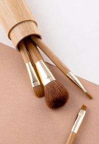 Luvia Cosmetics - TRAVEL BAMBOO TUBE - Zestaw pędzli do makijażu - - - 4
