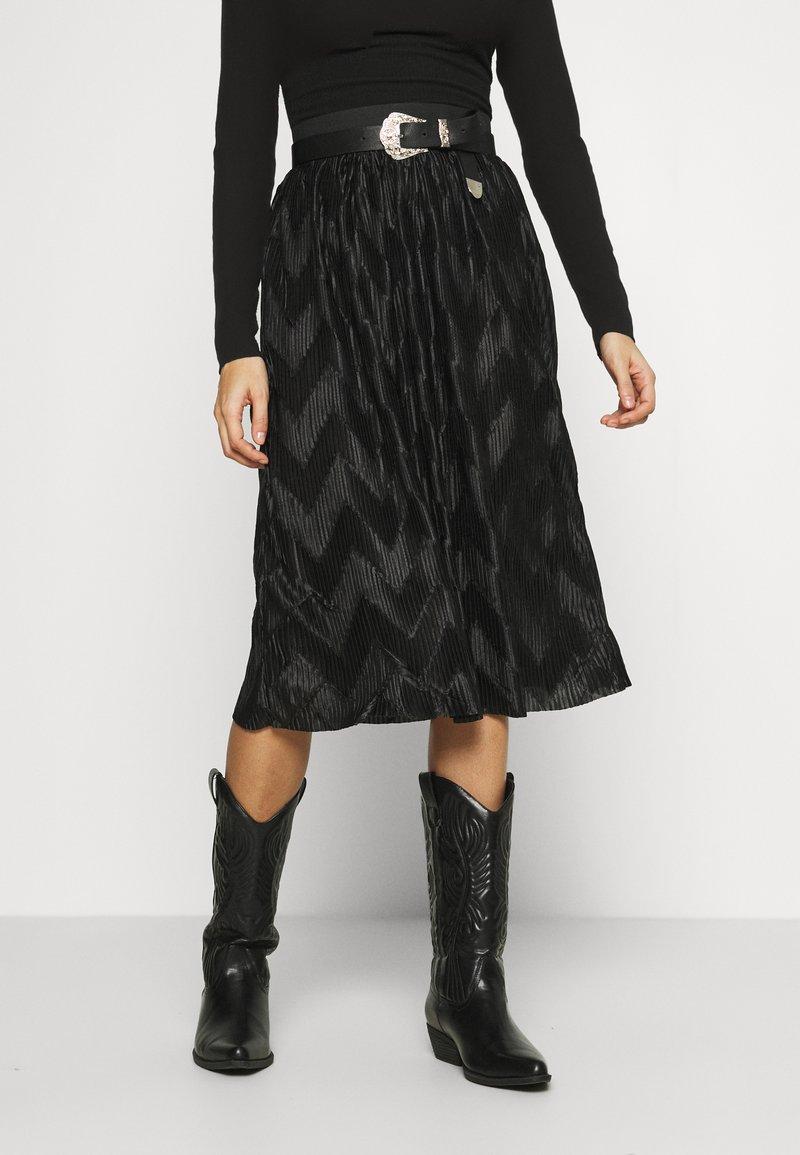 JDY - JDYMACI PLEATED SKIRT - Pleated skirt - black