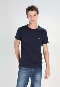 Lacoste - T-shirt basic - navy blue - 0