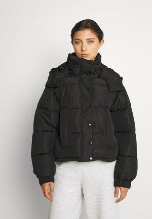 SHORT PUFFER JACKET HOOD - Winter jacket - black