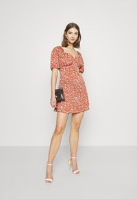Missguided - MILKMAID SKATER DRESS FLORAL - Kjole - pink - 1