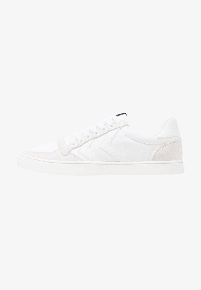 SLIMMER STADIL TONAL LOW - Sneakers laag - white