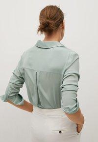 Mango - BIMA - Button-down blouse - vert - 2