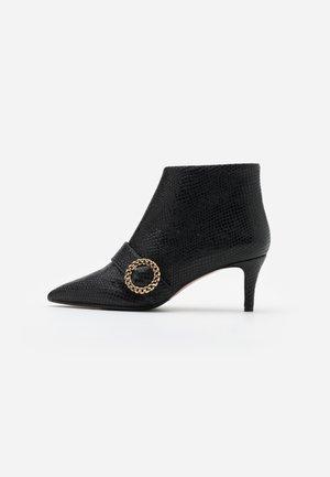 SARA - Kotníková obuv - oxido nero