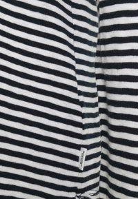 Marc O'Polo DENIM - LONG SLEEVE CREW NECK - Long sleeved top - multi/scandinavian blue - 2