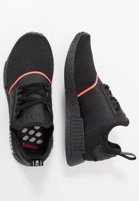 adidas Originals - NMD_R1 - Joggesko - core black/solar red - 1