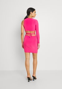 Missguided - SLINKY ONE SHOULDER CUT OUT - Cocktail dress / Party dress - hot pink - 2