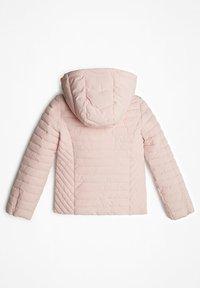 Guess - MIT ABNHEMBARER KAPUZE - Winter jacket - rose - 1