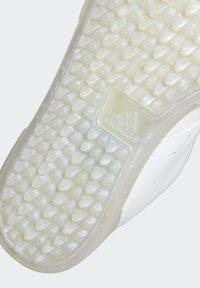adidas Performance - ADICROSS RETRO SPIKELESS - Golf shoes - white - 7