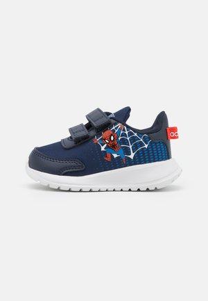 TENSAUR RUN UNISEX - Zapatillas de running neutras - legend ink/footwear white/blue