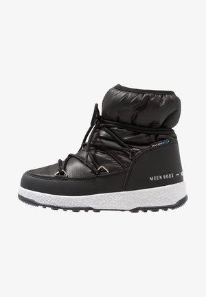GIRL LOW WP - Šněrovací kotníkové boty - black