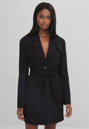 MIT ABNEHMBAREM GÜRTEL - Krátký kabát - black