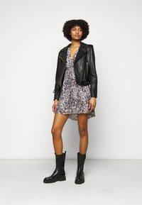 The Kooples - DRESS - Korte jurk - black/ecru - 1