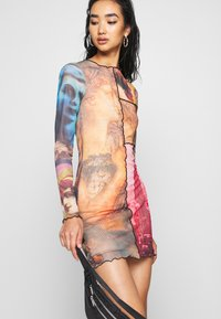 Jaded London - PANELLED DRESS WITH BABYLOCK SEAMS MASH UP VINTAGE PRINTS - Day dress - multi-coloured - 3