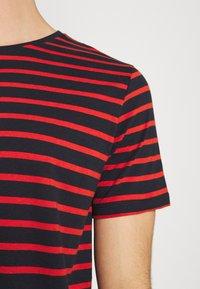 Matinique - JERMANE - Print T-shirt - poinciana - 5