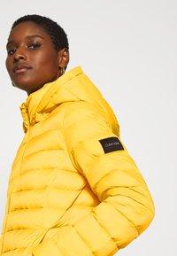 Calvin Klein - COATED ZIP LIGHT JACKET - Down jacket - yellow dahlia - 5