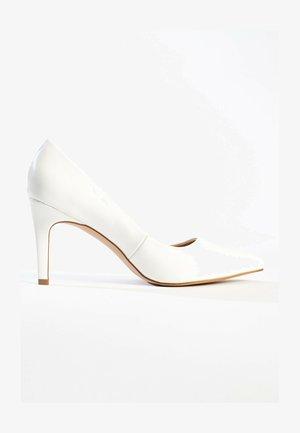 CODY - Højhælede pumps - white