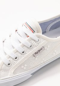 Pepe Jeans - ABERLADY ANGY  - Sneakersy niskie - white - 2