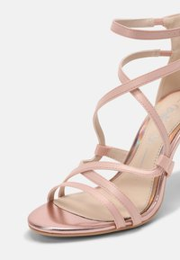 Buffalo - CLAUDIA - Sandalen - blushed pink - 5